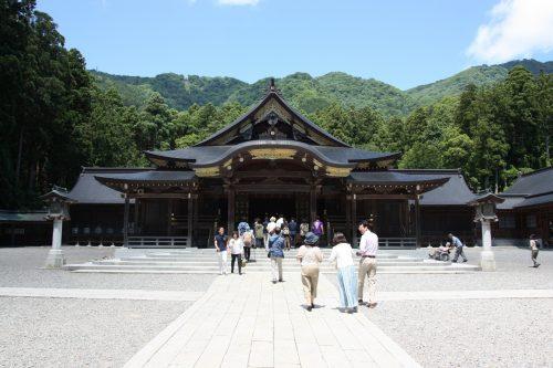Sanctuaire Yahiko aux alentours d'Iwamuro, près de Niigata au Japon