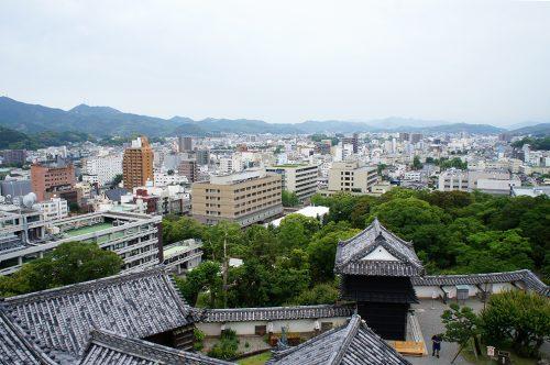 La vue depuis le château de la ville de Kochi, sur l'île de Shikoku, Japon