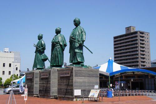 Statues de samouraïs dans la ville de Kochi, sur l'île de Shikoku, Japon