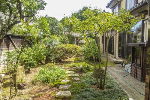 Jardin japonais dans la ville de Murakami près de Niigata, Japon