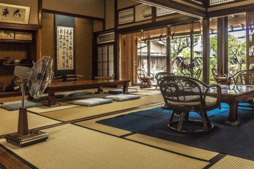 Salle de dégustation de thé dans la ville de Murakami près de Niigata, Japon