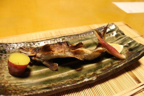Dîner au Ryokan Sanso-Tensui à Amagase Onsen dans la préfecture d'Oita, Kyushu, Japon