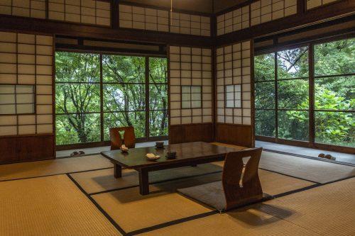 Salle à manger du restaurant Agemiya à Nakatsugawa, préfecture de Gifu, Japon