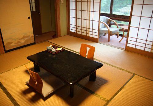 L'une des chambres du shukubo Sanrakuso au pied du Mt Daisen, préfecture de Tottori, Japon