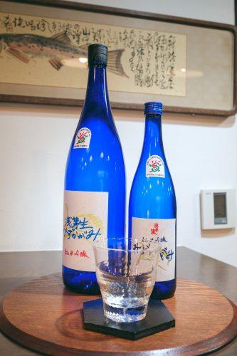 Boutique de saké dans la ville d'Otsu, préfecture de Shiga, près de Kyoto, Japon