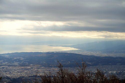 Point de vue sur Enoshima depuis le Mt Oyama, préfecture de Kanagawa, Japon