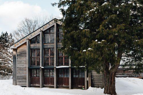 Ancienne école Omoide-no-kata sous la neige à Tazawako, Akita, Japon