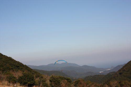 Vol en parapente au dessus de Minamisatsuma, Kagoshima, Japon