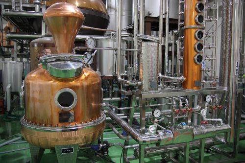 Alambic servant à la distillation du gin à la distillerie Mars Tsunuki à Minamisatsuma, Kagoshima, Japon