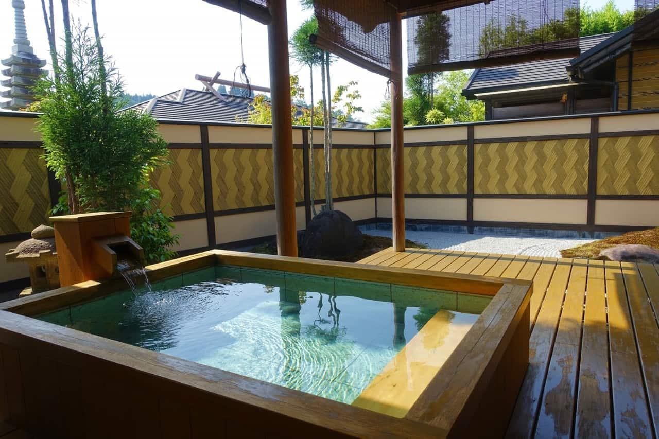 Séjour dans un luxueux ryokan à Takachiho