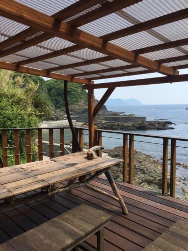 La vue sur la mer depuis la terrasse du restaurant Fukashima Shokudô