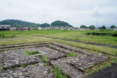 Site archéologique d'un palais datant de la période d'Asuka