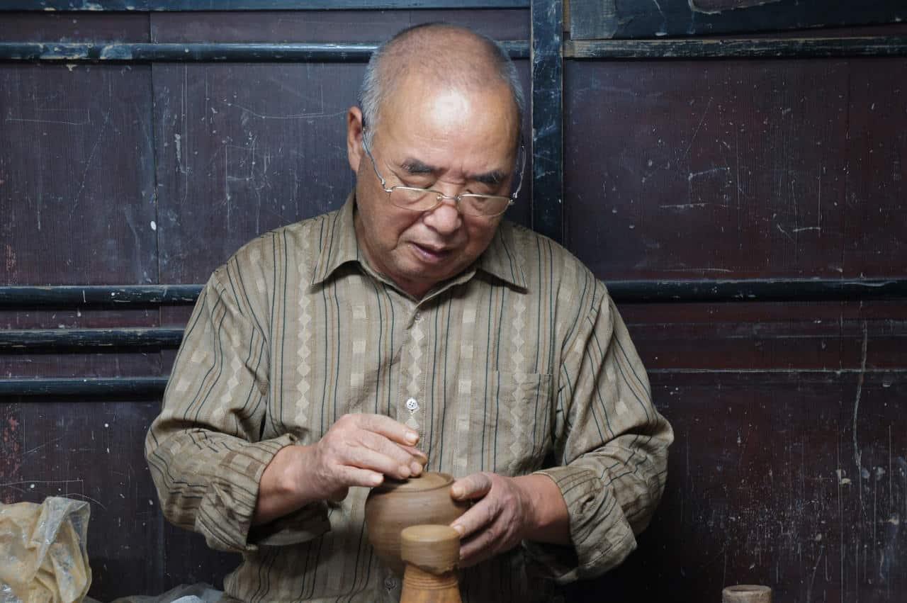 Céramique Shodai yaki et baguettes en bambou: tirer le meilleur des ressources naturelles de Tamana