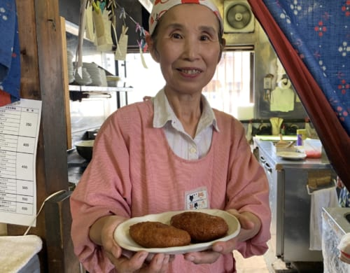 Premier arrêt pour les gourmets : la gelée frite de Gyoda
