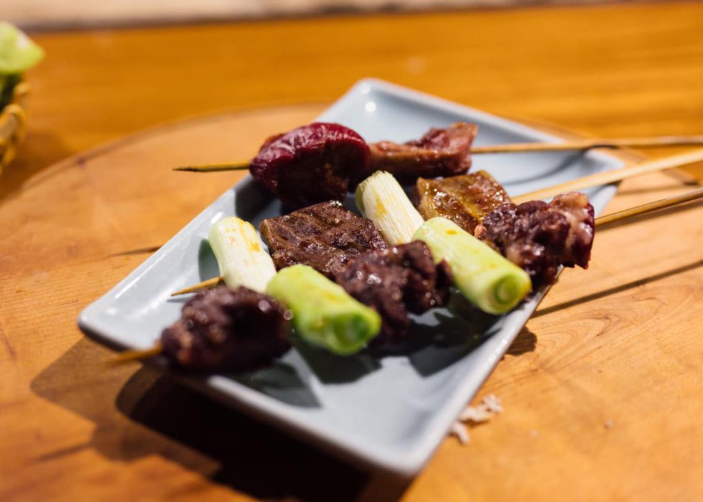 Brochettes au Zenzo Ryokan à Waita Onsen Kumamoto