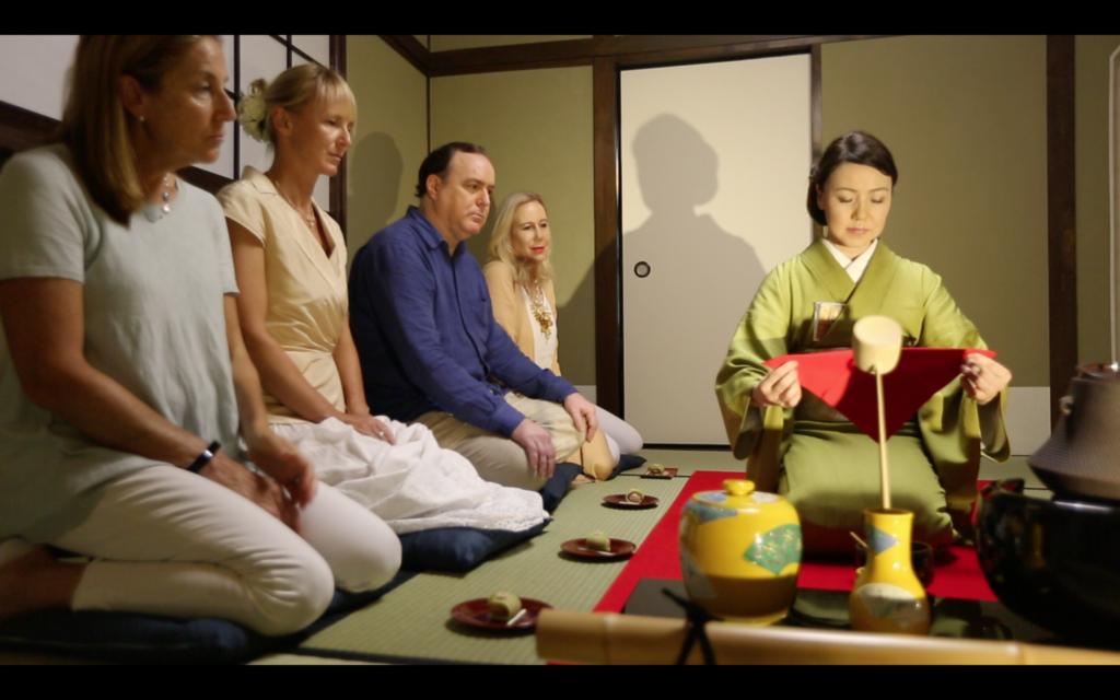 Atelier d'initiation à la cérémonie du thé en anglais avec Mika, à Shizu-Kokoro