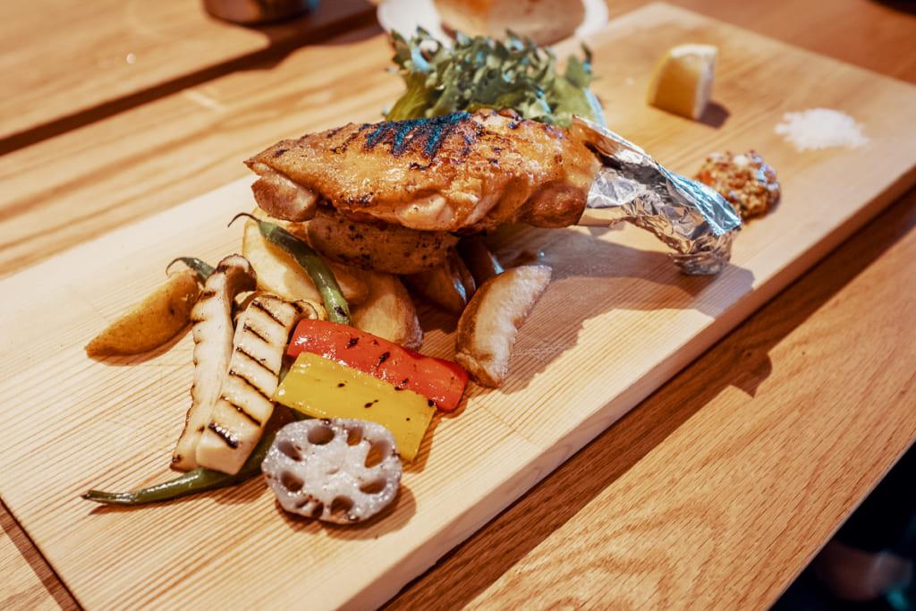 poulet grillé au restaurant arita huis à saga