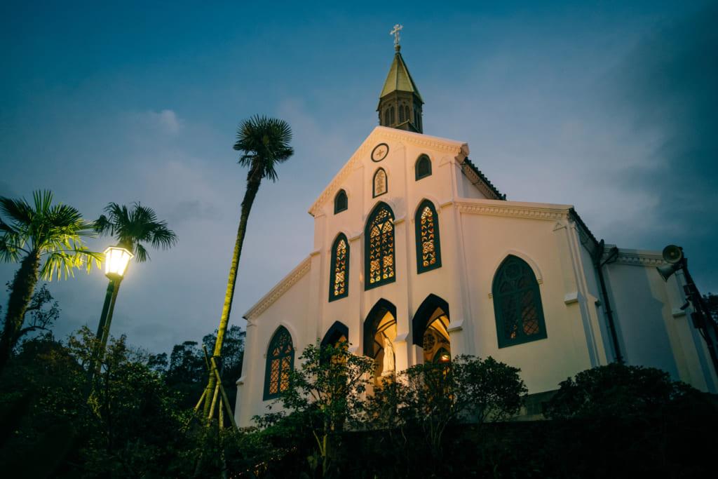 L'église d'Oura de Nagasaki durant la nuit