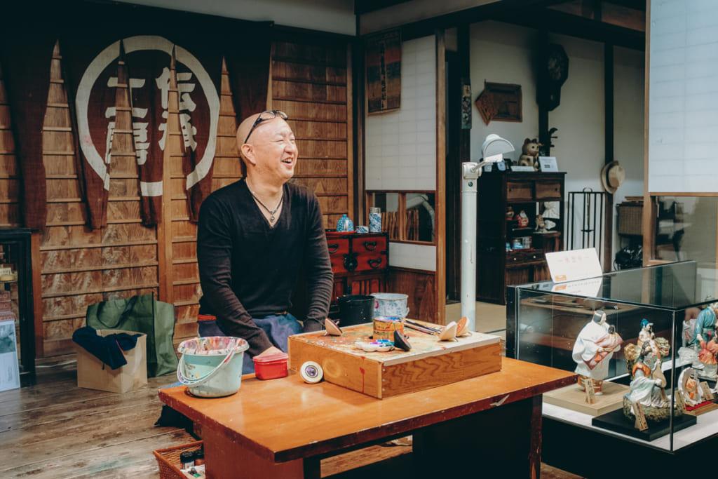 Chikushi-san, artisan de toupies de Fukuoka