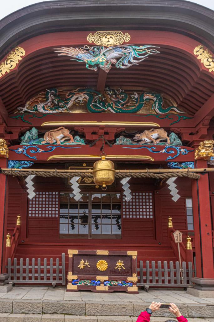 Les couleurs vives du sanctuaire Musashi Mitake