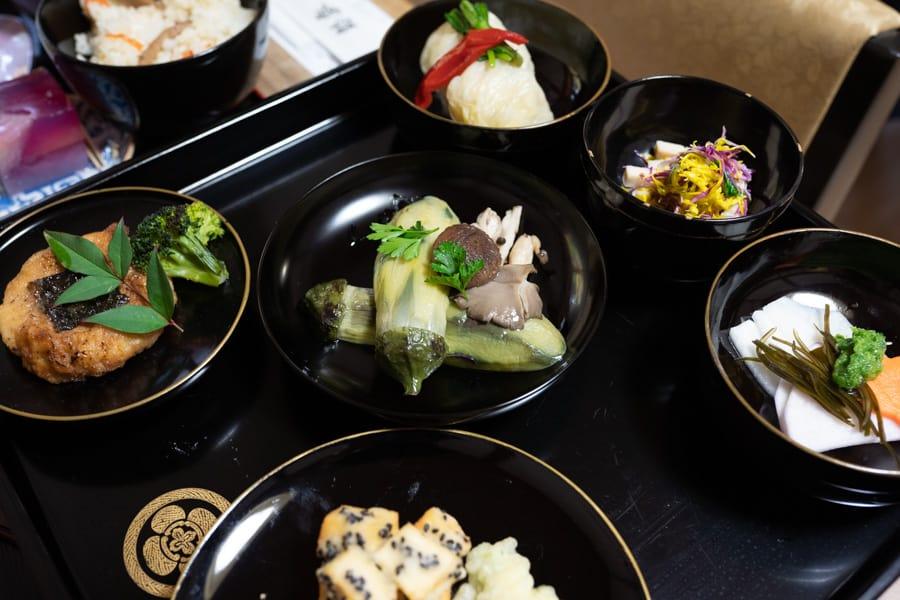 Les plats de la shojin ryori servis au temple Fusai-ji dans la ville de Murakami