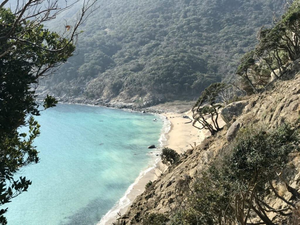 vue paradisiaque des plages de l'île ojika