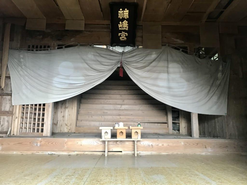 L'entrée du temple okino-kojima sur une île abandonnée