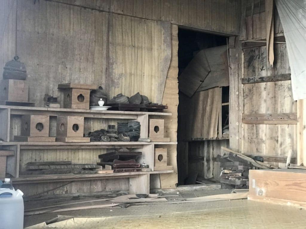 île abandonnée et temple abandonné : le temple okino-kojima
