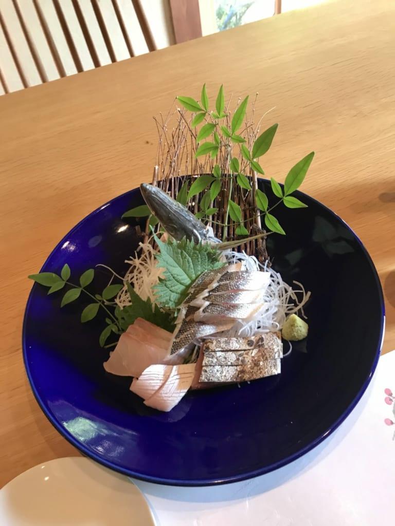sashimis de poisson au restaurant fujimatsu ojika