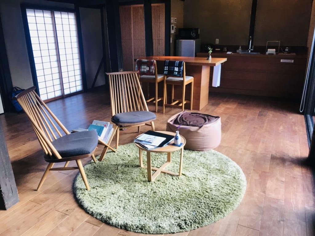 salon d'une maison japonaise traditionnelle kominka