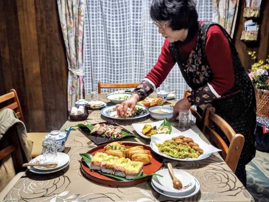 Madame yamada et le repas gargantuesque que nous avons préparé