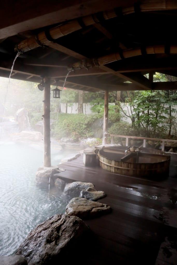 Les bains d'eau thermale de misasa, à Tottori