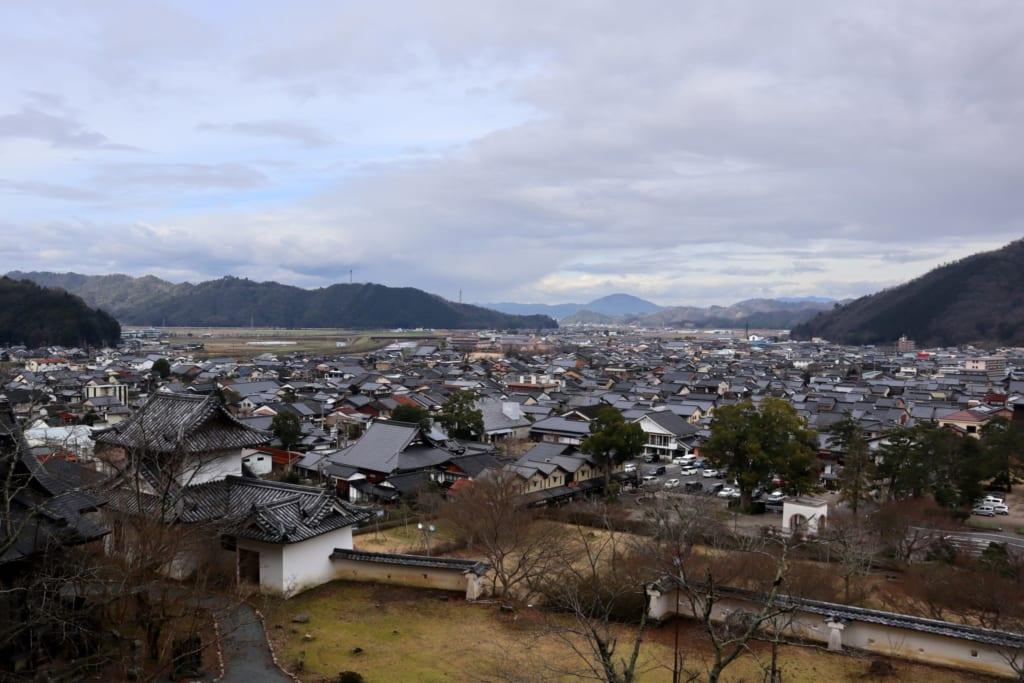 la ville d'izushi depuis les hauteurs