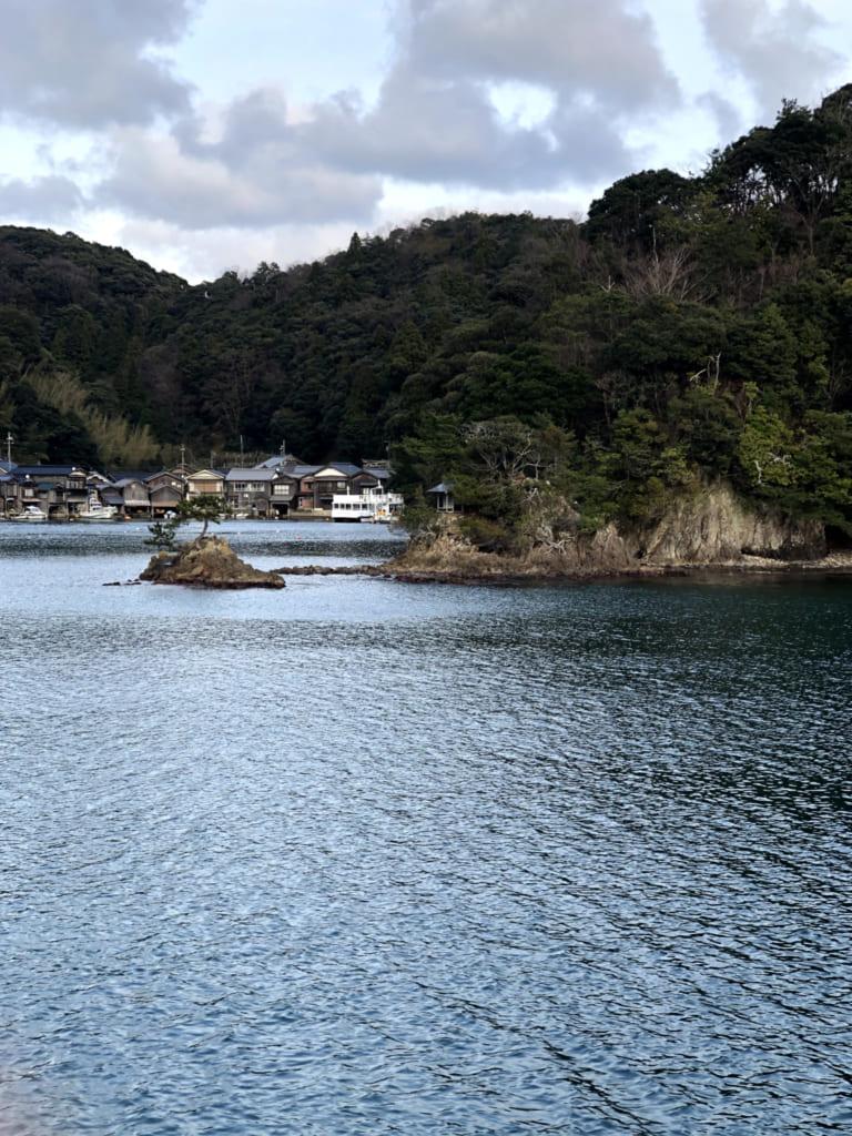 le village d'ine depuis la mer du Japon