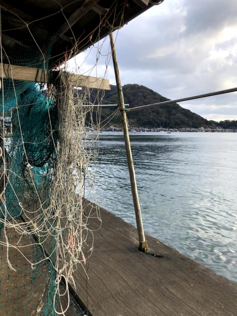 Des filets au ord de la mer du Japon dans le village d'ine