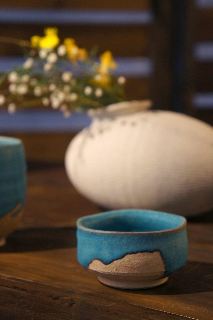 Céramiques dans la boutique Uzan-Yoh à Shigaraki