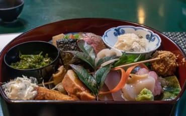 Repas d'un des Izakaya de Furumachi
