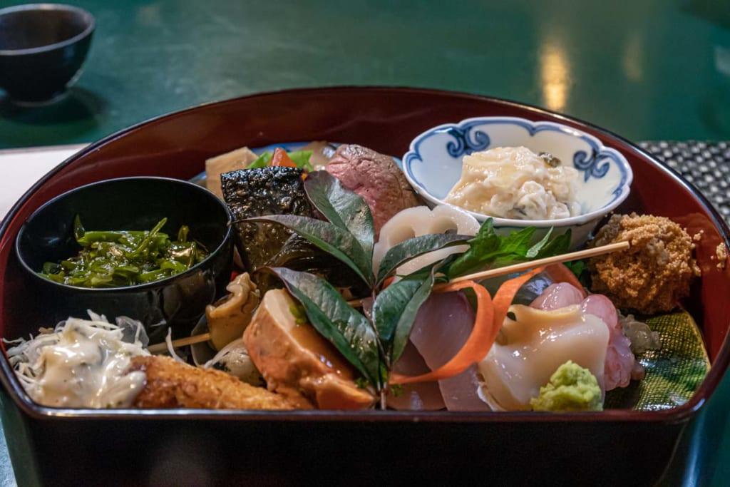Repas izakaya furumachi Niigata Japon