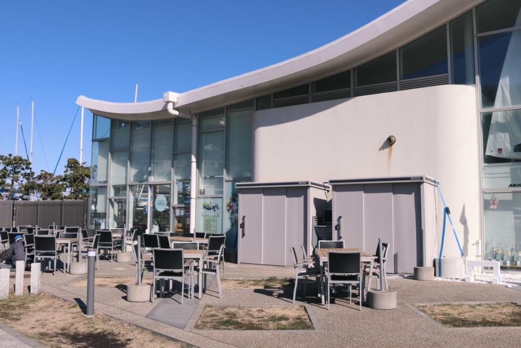 bâtiment construit pour accueillir les épreuves des jeux olympiques qui auront lieu à enoshima
