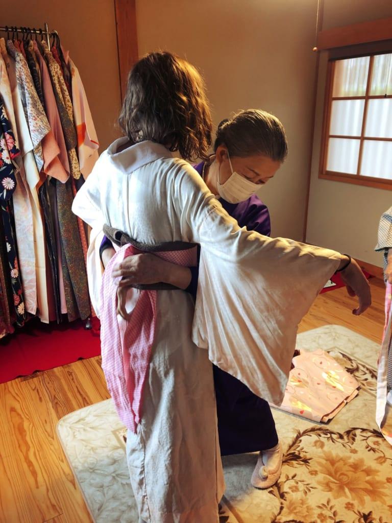 je me sens peu peu comme une japonaise avec mon kimono