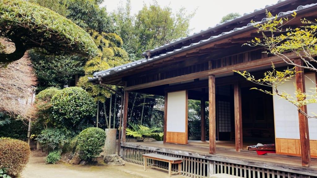 l'ancienne maison de samouraï dans laquelle aura lieu la cérémonie du thé