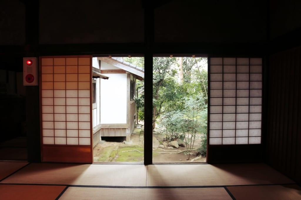 un véritable voyage dans le temps en pénétrant dans cette vieille maison de samouraï avant d'assister à la cérémonie du thé