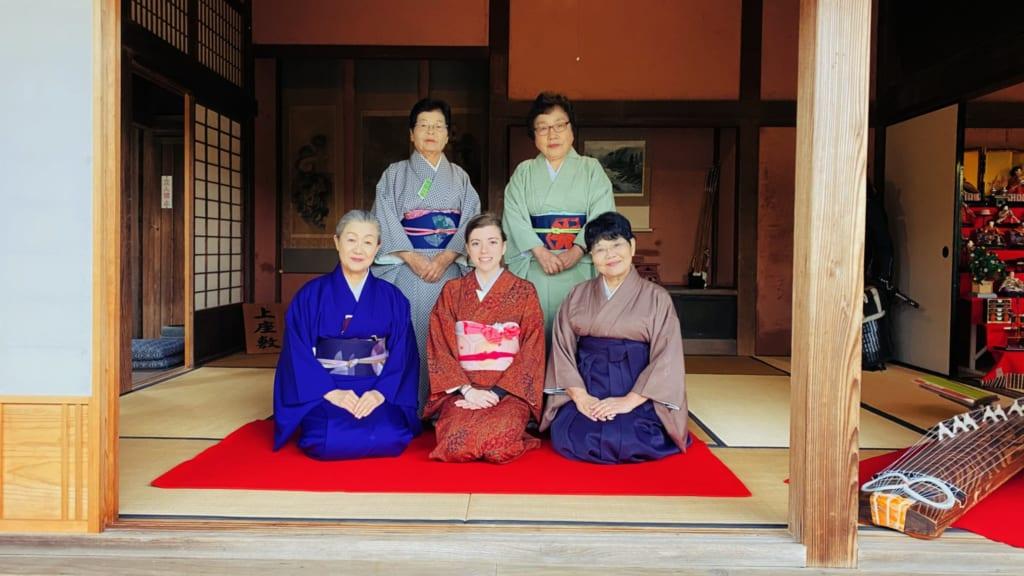 photo en compagnie des japonaises qui me firent découvrir la cérémonie du thé