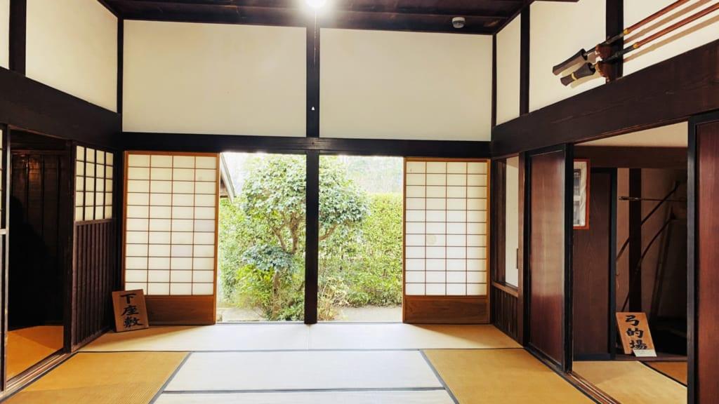 l'intérieur de cette ancienne maison de samouraï