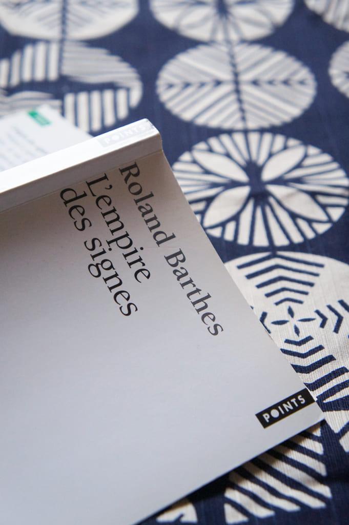 L'Empire des Signes de Roland Barthes : livre posé ouvert