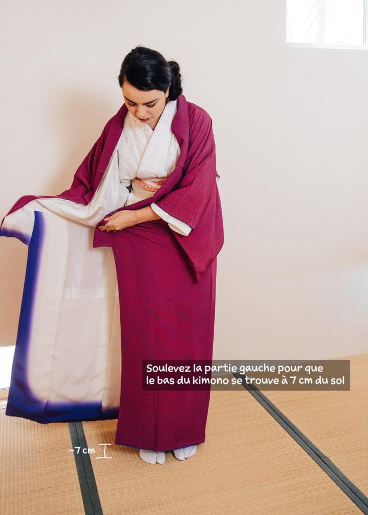ajuster la hauteur du côté gauche du kimono