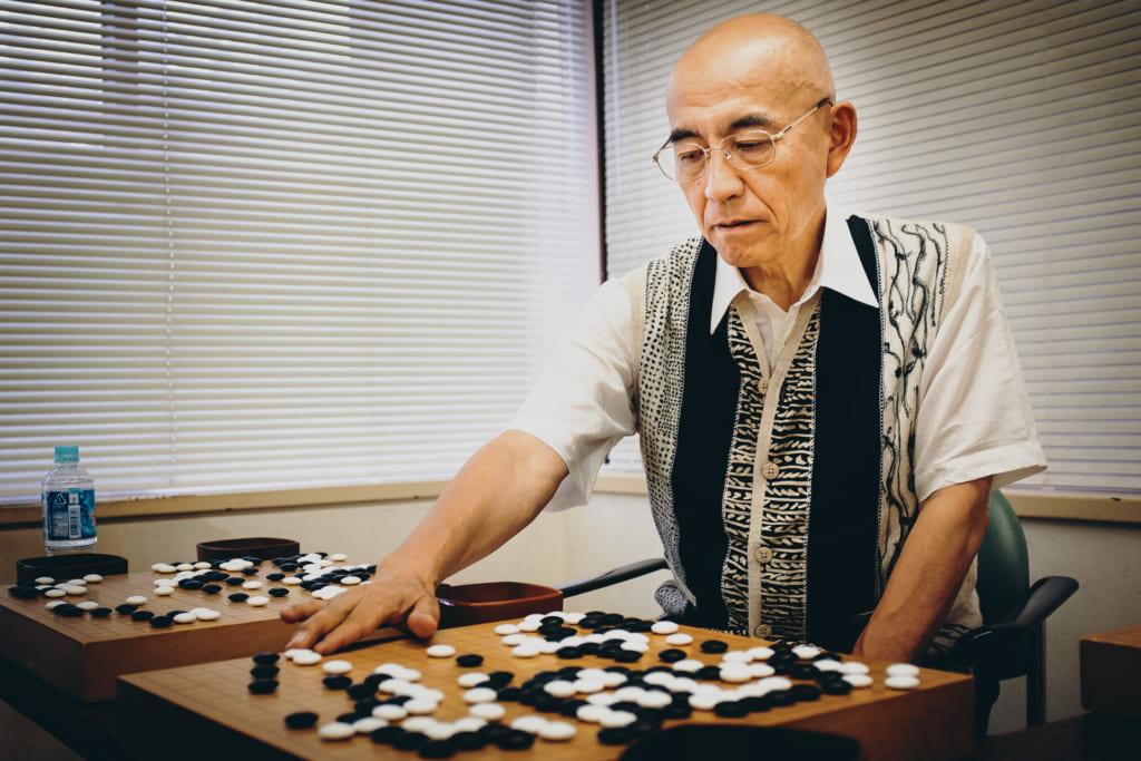 Takemiya Masaki au stage d'été de la Nihon Ki-in