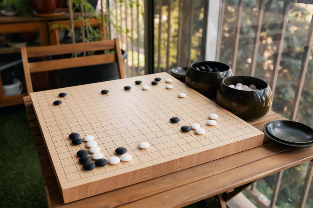 un jeu de go traditionnel japonais