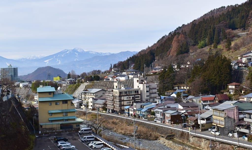 Vue sur la ville thermale de Shibu Onsen