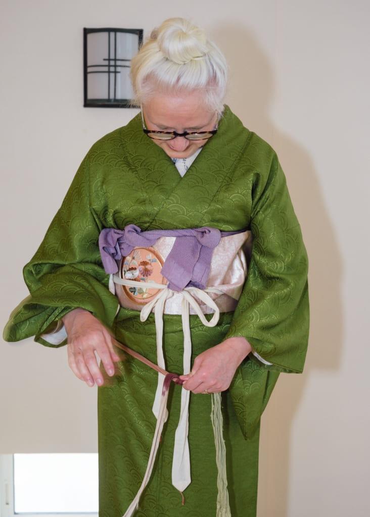 les koshi-himo ne sont pas esthétiques mais ils seront enlevés plus tard